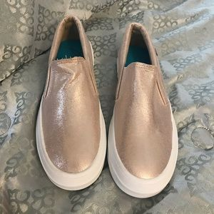 New Blowfish rose gold flats size 7.5